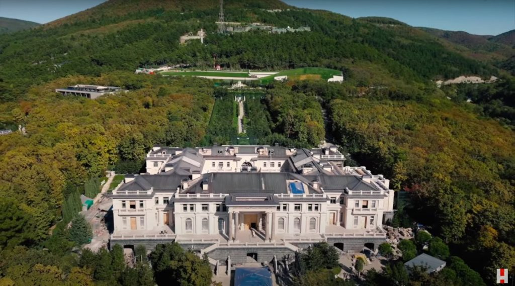 """Drone footage of the Black Sea property, as seen in <em>Putin's Palace</em> on YouTube."""" width=""""1024″ height=""""569″ srcset=""""https://www.antheamissy.com/wp-content/uploads/2021/01/1611688585_580_Revelations-About-Putins-Palace-Have-Sparked-Widespread-Protests-in-Russia.jpg 1024w, https://news.artnet.com/app/news-upload/2021/01/putins-palace-300×167.jpg 300w, https://news.artnet.com/app/news-upload/2021/01/putins-palace-50×28.jpg 50w, https://news.artnet.com/app/news-upload/2021/01/putins-palace.jpg 1437w"""" sizes=""""(max-width: 1024px) 100vw, 1024px""""/></p> <p class="""