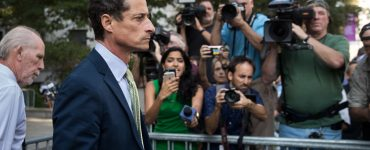Art Industry News: Disgraced NYC Mayoral Candidate Anthony Weiner Wants to Cash In on NFTs of His Own Infamy + Other Stories | Artnet News