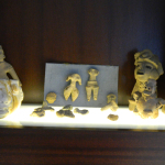 Various archaeological objects that were returned